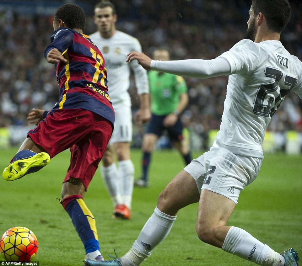 isco-kick-neymar-legs